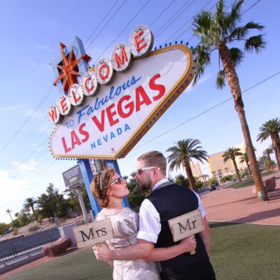 Las Vegas Wedding Photo in Vintage Motel