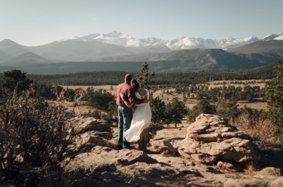 Bride & Groom in Colorado, eloping to Colorado with Simply Eloped